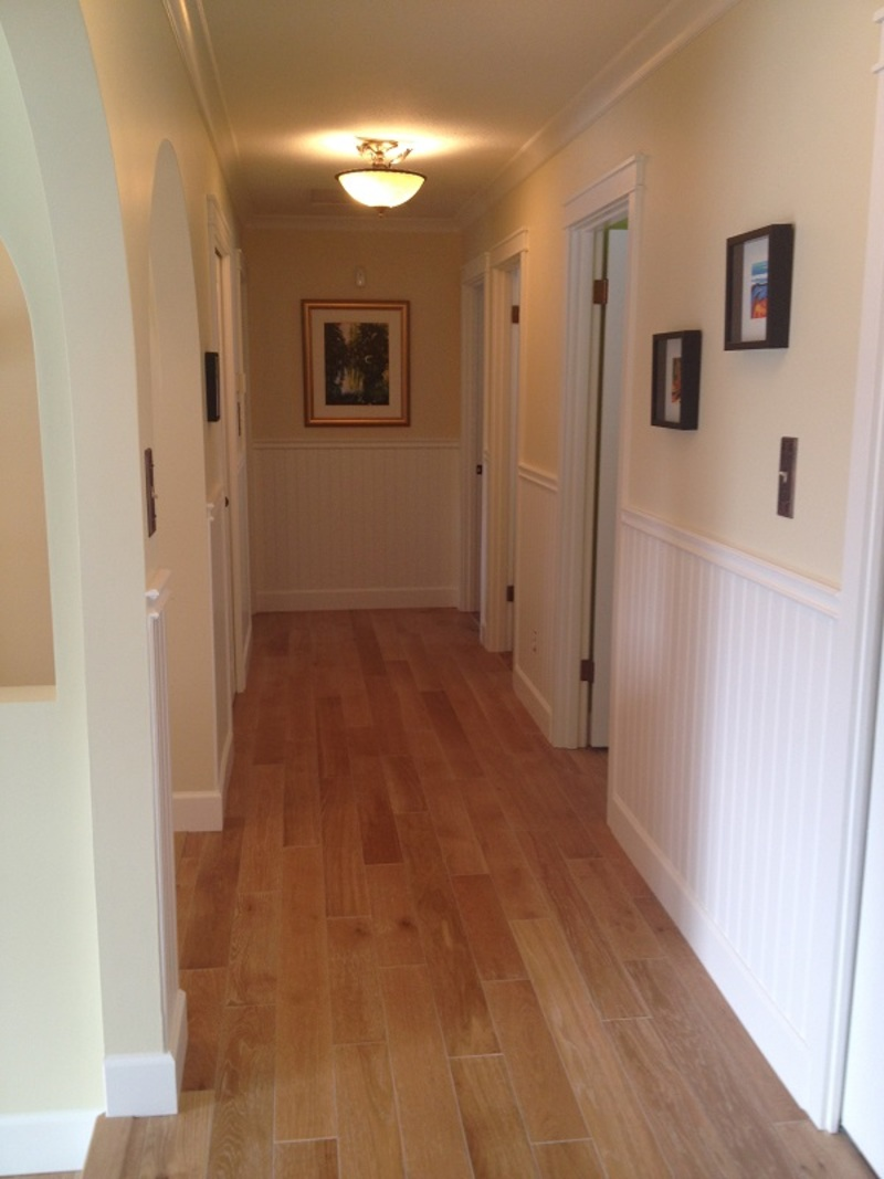 hallway with wainscot - PAINTING Guys