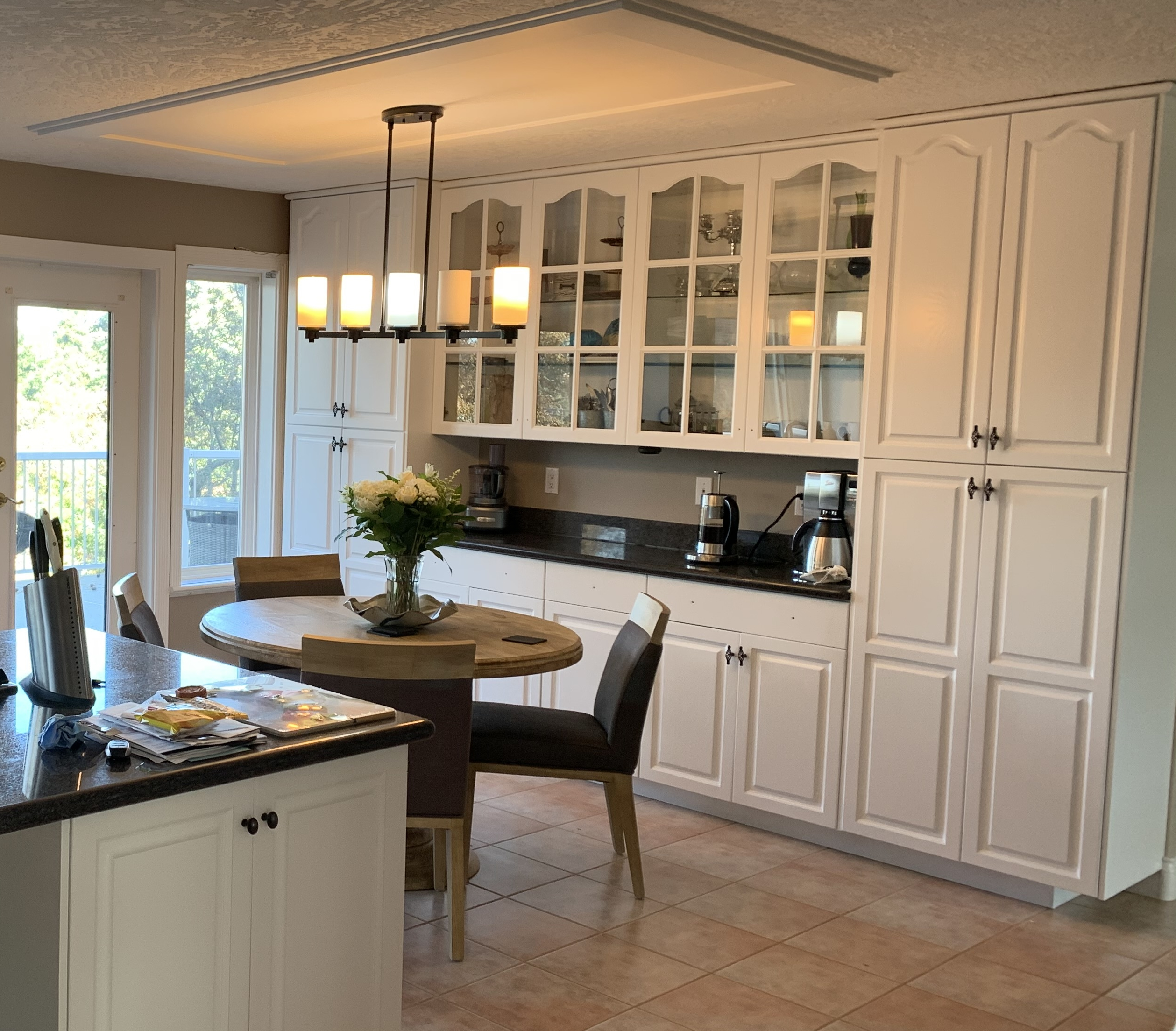 oak cabinets painted in Chantilly Lace